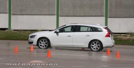 Volvo sigue enseñando conducción segura
