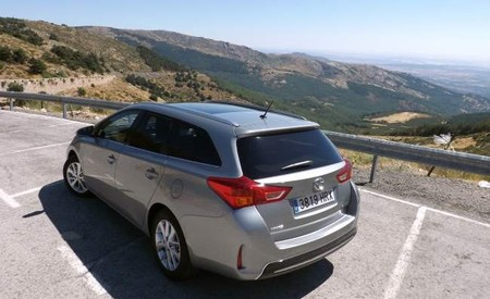 Toyota Auris Touring Sports 120D Active Techo Solar Panorámico Pack Skyview