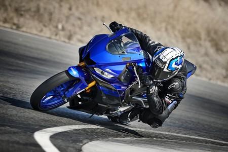 La Yamaha YZF-R3 2019 se inspira en MotoGP para optar al trono de las deportivas del carnet A2