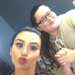 Los tutoriales de belleza de estética girly caricaturizados por una youtuber