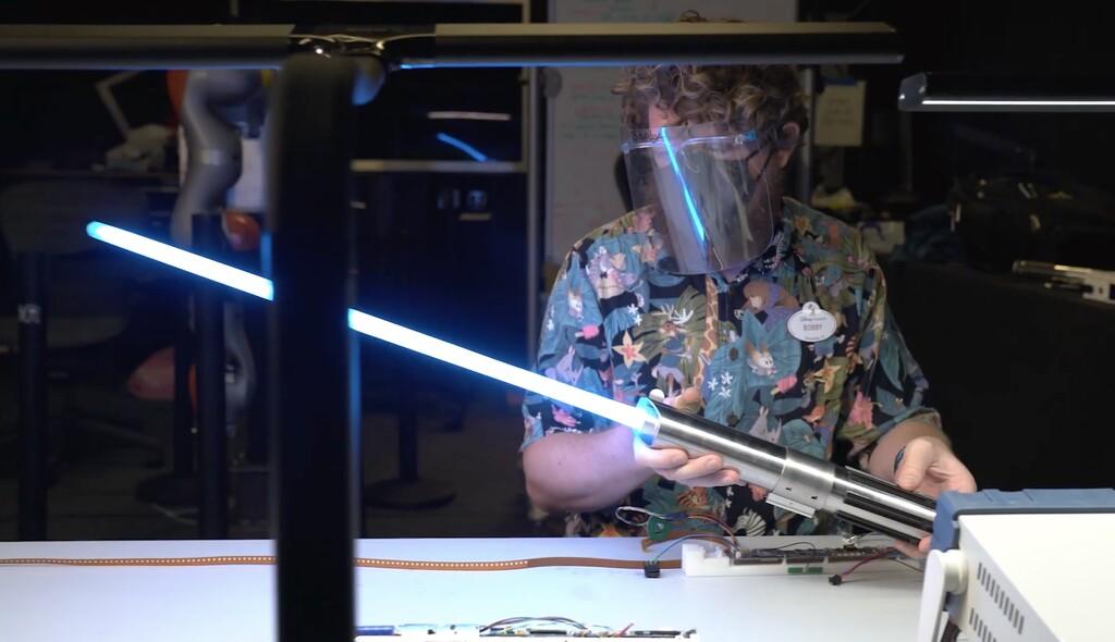 Disney muestra en vídeo su sable láser retráctil, junto a un montón de robots y otras tecnologías que están desarrollando