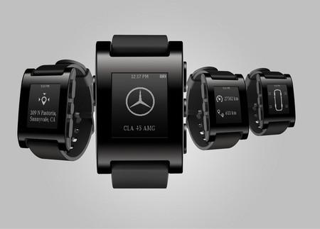 Mercedes-Benz presenta un reloj que conecta muñeca y coche