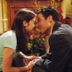 Los 26 besos más espectaculares de las series en formato gif