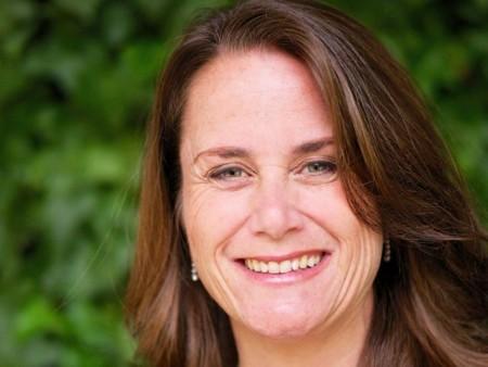 Tras 14 años, la directora de comunicaciones globales Natalie Kerris dice adiós a Apple