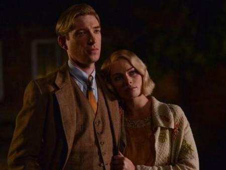 Domhnall Gleeson As Alan Milne And Margot Robbie As Daphne Aa Milne Movie