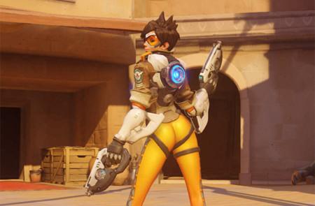 Y la nueva pose para Tracer en Overwatch es…