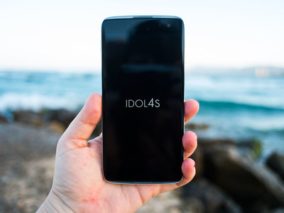El primer smartphone compatible con Windows 10 VR será... el Alcatel Idol 4S