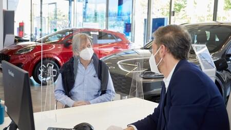 The microchip crisis that plagues automotive production, drowns the car market in Spain