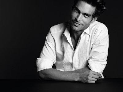 Milan Vukmirovic ha diseñado 10 camisas blancas para la marca Ports 1961