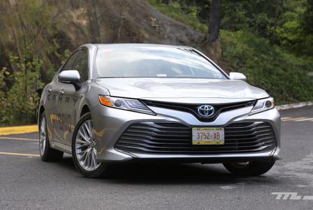 Toyota Camry Hybrid 2019 7