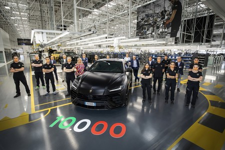 Lamborghini Urus 10 000 3