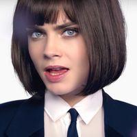 El nuevo videoclip de Cara Delevingne nos deja algo muy claro: está guapa con cualquier pelo