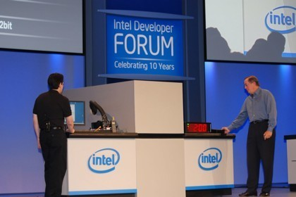 Intel Danbury, cifrado de datos desde el chipset de la placa