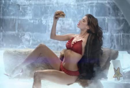 """Sara Sampaio es imagen de una hamburguesa llamada """"El Diablo"""""""