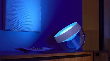 Philips renueva su lámpara Hue Iris: llega más luminosa, con un aspecto más moderno y con un mejor control de la potencia