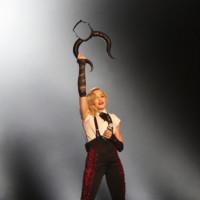 A Madonna le pone los cuernos un español, Leather Designs