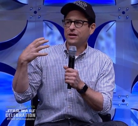 JJ Abrams ha presentado el nuevo tráiler de Star Wars... con un Apple Watch en la muñeca