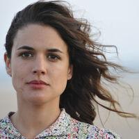 Si a tu madre le gustó ''El tiempo entre costuras'' puedes regalarle la nueva novela de María Dueñas, ''Sira'' rebajada en Amazon