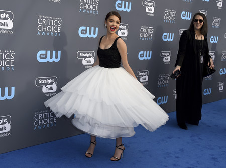 sarah hyland critics choice awards 2018 alfombra roja