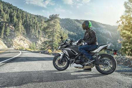 La Kawasaki Ninja 650 se da un lavado de cara con una cúpula más ancha, faros LED y nuevos neumáticos