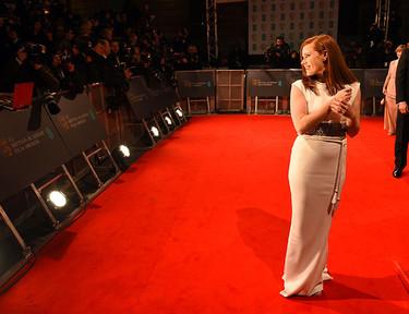 Amy Adams brilla por el blanco de Lanvin en los BAFTA 2015