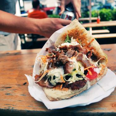 """Bruselas se plantea prohibir los conservantes del 'kebab': """"Puede ser su sentencia de muerte"""""""