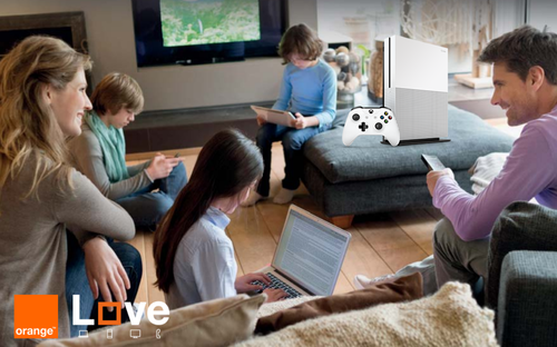 Orange sigue apostando por un catálogo más allá de los smartphones, ahora con la Xbox One S