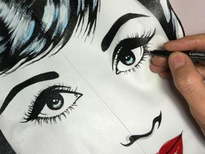 De Hepburn a los reyes, la moda pop de Antonio de Felipe