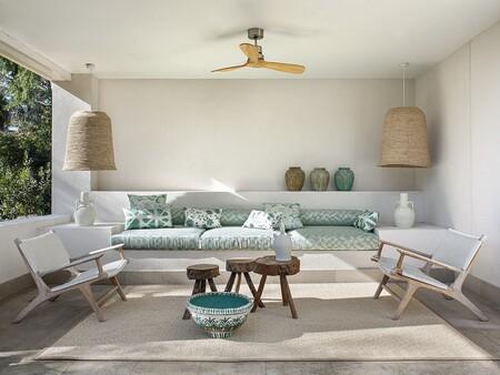 Se acerca el verano: renueva tu casa (y la terraza) con textiles coloridos y atrevidos