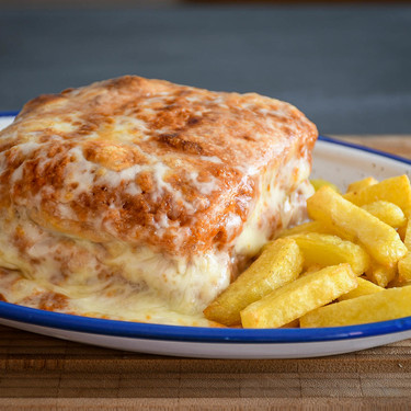 Francesinha o Francesiña, un sándwich para hambrientos: receta tradicional portuguesa