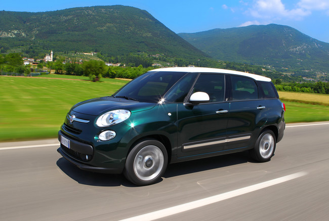 fiat 500l trekking y 500l living gama equipamiento y. Black Bedroom Furniture Sets. Home Design Ideas