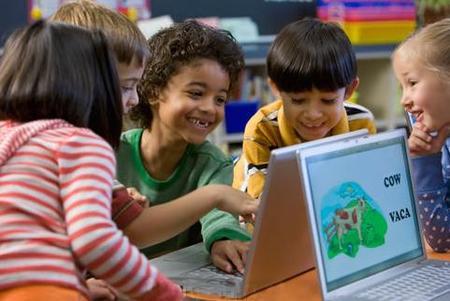 Los niños bilingües son más flexibles para aprender