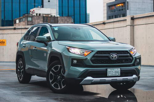 Toyota RAV4 Adventure 2021, a prueba: un SUV cargado de razón y con un toque de aventura