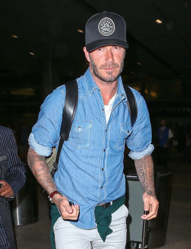 David Beckham nos enseña como viajar con un look perfecto y cómodo en nuestra viajes de verano