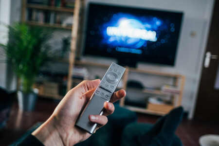 Tengo 379 canales gratis en mi televisor con Pluto TV, Rlaxx, Tivify, Rakuten y Plex