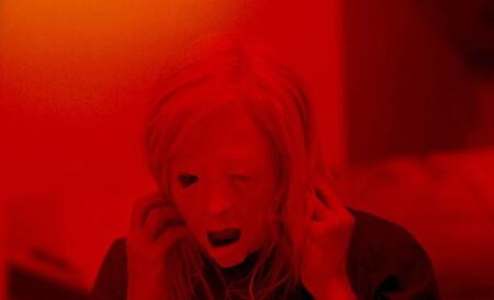 Sitges 2020: 'Possessor'. Truculento thriller cyberpunk de Brandon Cronenberg al que le perjudica la comparación con su padre