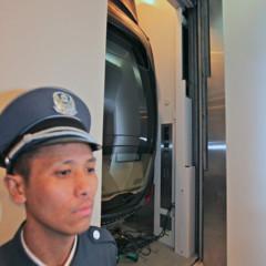 Foto 4 de 5 de la galería porsche-panamera-en-un-ascensor en Motorpasión