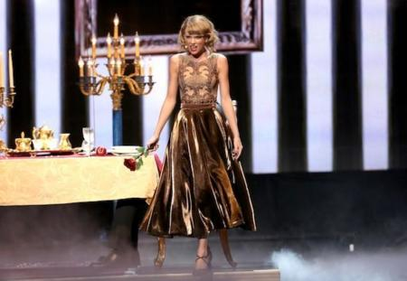 Taylor Swift Performance Amas