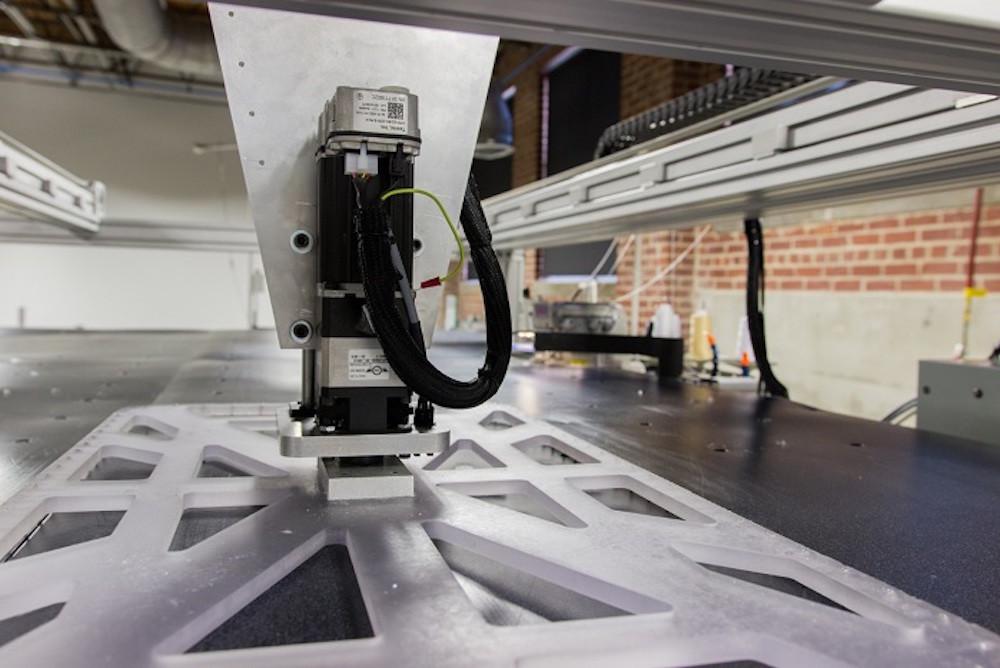 3761eae4371fe Este robot costurero es tan bueno que Adidas lo contrató para que le haga  800.000 camisetas al día