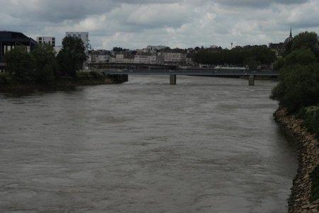 Loira pasando por Nantes