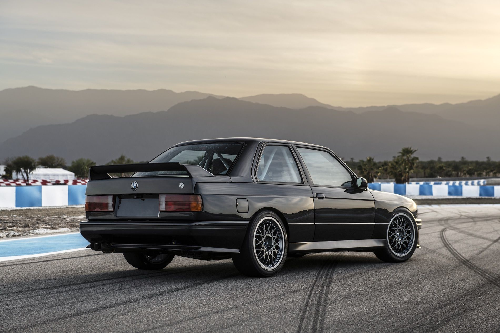 Foto de Redux BMW M3 E30 restomod (2/29)