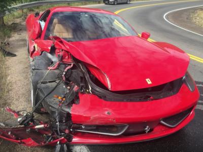 Dolorpasión™: Rentas un Ferrari 458 Italia y te confías en la carretera, tú imagina el resto