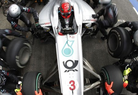 Nico Rosberg le vuelve a ceder su número a Michael Schumacher
