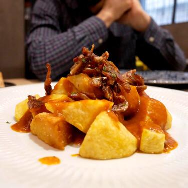 16 bares de barrio donde encontrar las mejores patatas bravas de Madrid: de Quintana a Tetuán