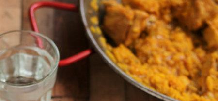 Paella sencilla de pollo y conejo. Receta familiar