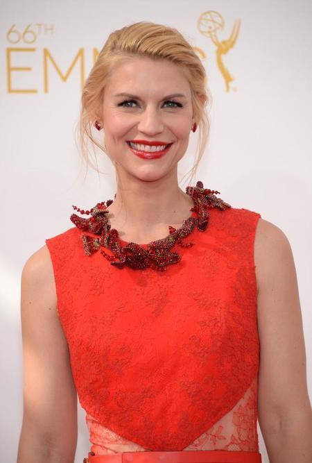 El recogido de Claire Danes en los Emmy, una creación de Peter Butler para Leonor Greyl