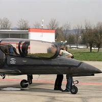 ¡Con el motor de una BMW S 1000 RR! Así vuela este avión de fibra de carbono y 322 kg de peso