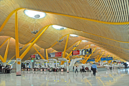 Wifi gratuito e ilimitado en los aeropuertos españoles, Aena da el paso
