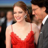 ¡Confirmado! Emma Stone es la que mejor lleva los pantalones en la alfombra roja