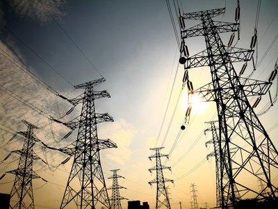 Vienen más recortes para las eléctricas en España